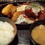 23836126 - 『松坂牛入り 鉄板ハンバーグランチ』(チーズソース)(900円)~♪(^o^)丿