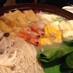 やきにくCHAN - 百年の鍋