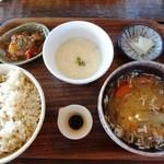23837664 - 玄米ご飯・味噌汁・小鉢・とろろ・漬物