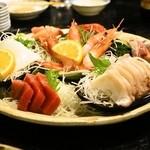 村役場 - 2014.1 大漁盛り(2,500円)