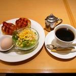京喫茶 潤 - フレッシュモーニング(680円)