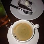 Veuve - コース締めのドルチェとコーヒー