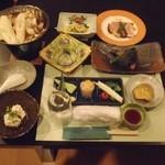 なるせ温泉 東仙歩 - 料理写真:夕食(一部)