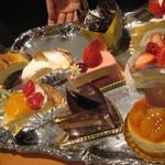 23854032 - ケーキセットのケーキたち