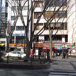 TAMAMIYA - 一番町アーケード側から見た感じ。サンクス2Fの店舗がTAMAMIYA