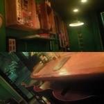 ジャジューカ - 上:カウンターの後ろの壁。現地の民族的なものがいろいろ飾られています。下:カウンター席