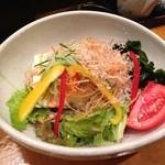 真希 - 豆腐とじゃこのサラダ