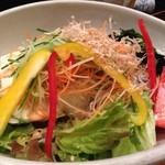 真希 - 豆腐とじゃこのサラダ(アップ)