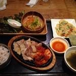 韓美膳 - サムギョプサルセット(1,500円)