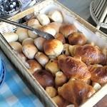 あさくま - 焼きたてパンも食べ放題