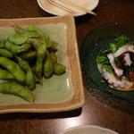 天武 - 中札内の黒枝豆 400円と菜の花と真タコ酢味噌 500円