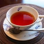 エシュロンティーハウス - HOT TEA(750円)