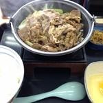 吉野家 - 牛すき鍋膳 580円