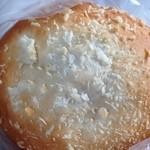 つっちゃまのあんぱん - 料理写真:焼きカレーパン ¥98