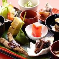 海日和 - お食事メニューやデザート、お茶のセットなどをご用意しております。ごゆっくりとお過ごしいただけます。