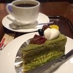 上島珈琲店 - 京抹茶のティラミスとブレンドコーヒー(M)