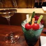 23881509 - 白ワインとステックサラダ♪