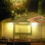 ベトナム料理コムゴン - ベトナム風の物で飾られた、凄くベトナムっぽい店内