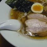 信濃神麺 烈士洵名 - 厚いベーコン風のチャーシュ