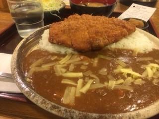 とんかつ 志味津 表参道店 - ロースカツカレー チーズトッピング