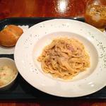 イタリアンハウス カフェ&バー - 201209 パスタランチ980円(ポルチーニクリームソースのタリアテッレ)