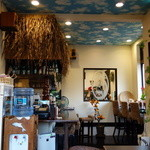 ホヌハレカフェ - 雰囲気のある店内
