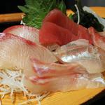 魚鮮水産株式会社 - 刺身の内容は日替わり
