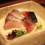 有いち - 焼き霜の鰆 と 酢〆の鯖