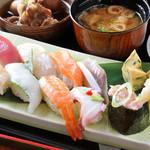 善酒善食 じょう - 料理写真:ランチの「御任せ握り寿司 十貫」980円