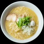 はぐれ雲 - 料理写真:鶏白湯そば