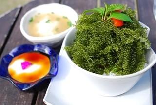 fuu cafe - 海ぶどうとアグーの丼仕立て