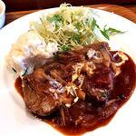 食堂 PaPas - 牛肉の煮込みデミソース