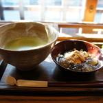 喫茶去かつて - 抹茶とわらびもちのセット700円(2014.1.24)