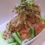 炭火焼鳥 鳥翔 - 料理写真:大根ツナサラダ  自家製ドレッシングが大根とツナをひきたてます