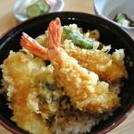 甚兵衛 - 料理写真:エビ・イカ・キス、野菜4種の上天丼¥1470
