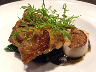 レストラン ラ・フロレゾン・ドゥ・タケウチ - 北海道産帆立貝と天然アワビ そのエッセンスソースで