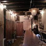 粉焼庵 - 1階カウンターは5m超えの一枚板