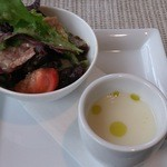 トラットリアロゼッタ - ランチセット サラダとジャガイモポタージュスープ