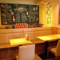 オシャレなカフェ空間で美味しいハンバーガーを♪