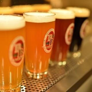 クラフトビールは20種以上。伝統と革新が織り成す一杯をお届け