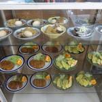 のざわ食堂 - 料理写真:旨そうなおかずが並ぶ
