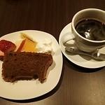 KORO Cafe - 天使のシフォンケーキとめちゃ美味しかったコーヒー♪