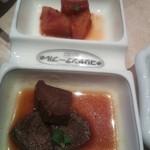 コリヤンテーブル - 牛タン煮とカクテキ