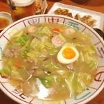豚吉 本店 - チャンポン麺!でかい!!