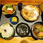 和風レストラン はっかく亭 - 料理写真:かつ鍋膳 1,050円