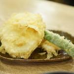 うどん 丸香 - 野菜天