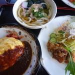 れストラン ゆず庵 - 「おとせのおぜん   (1100円)」 は、オムライス半分、シャモうどん半分と玉ねぎドレッシングのから揚げサラダ