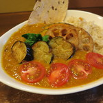 ゴピナータ - 揚げ野菜カレー1