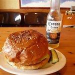 ハイファイブ バーガーズ - 料理写真:チーズバーガー