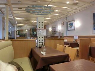 カフェ&キッチン マカロニ  - ユッタリとしたソファ席。